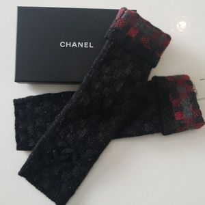 Chanel fingerless gloves